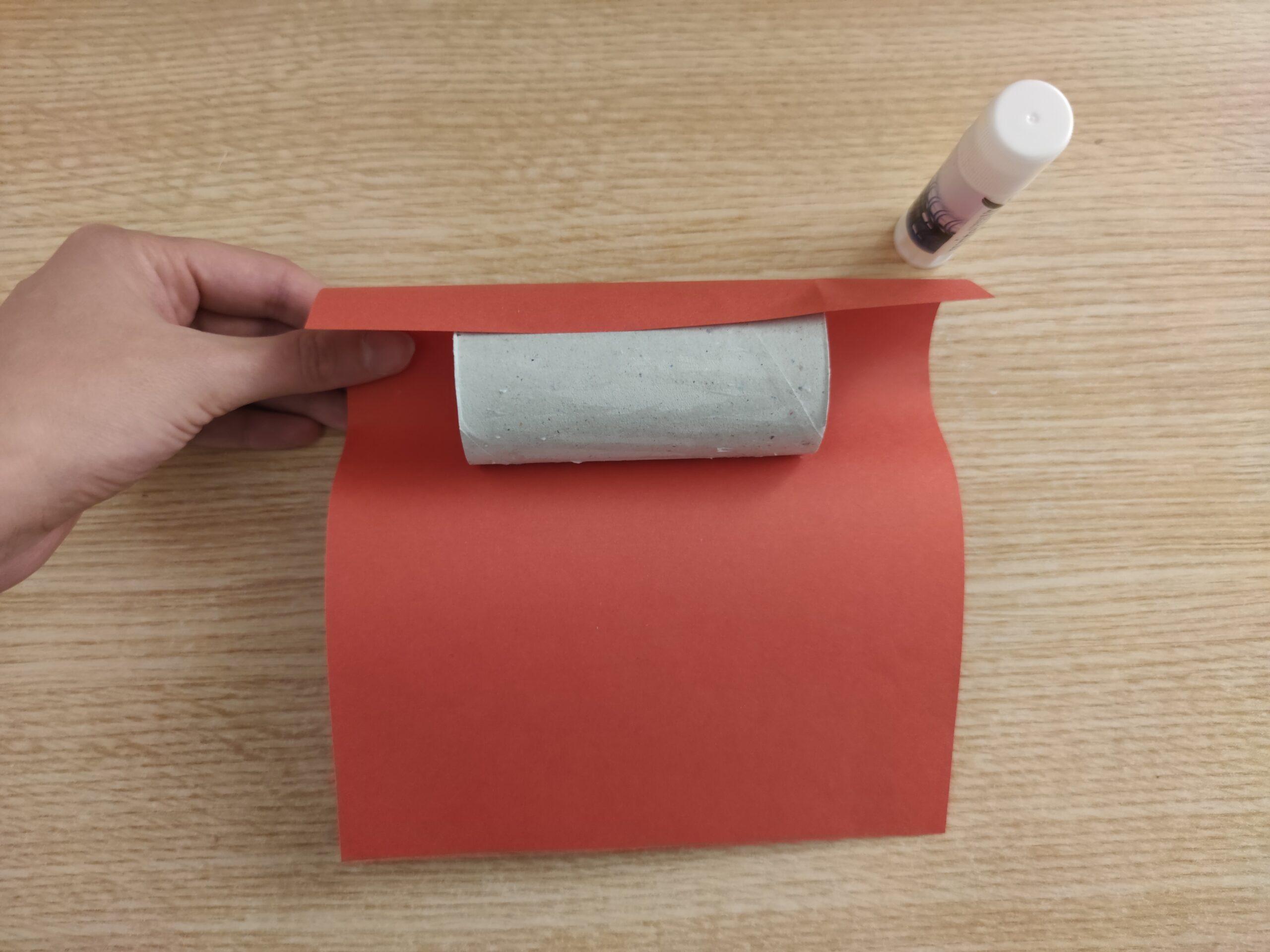 Calendario dell'avvento fai da te con rotoli di carta igienica